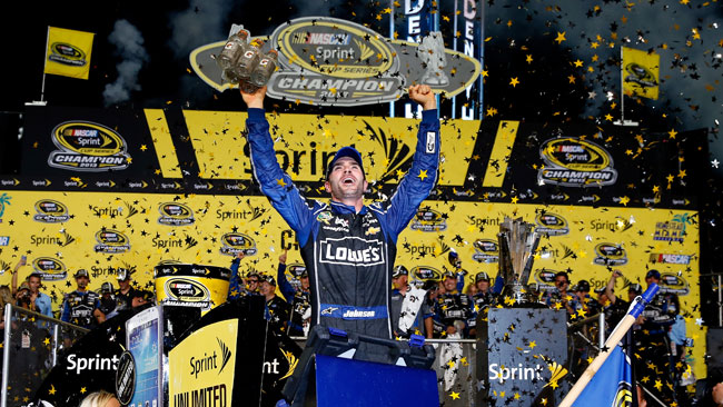Svolta nella NASCAR: l'ultima gara decide tutto!