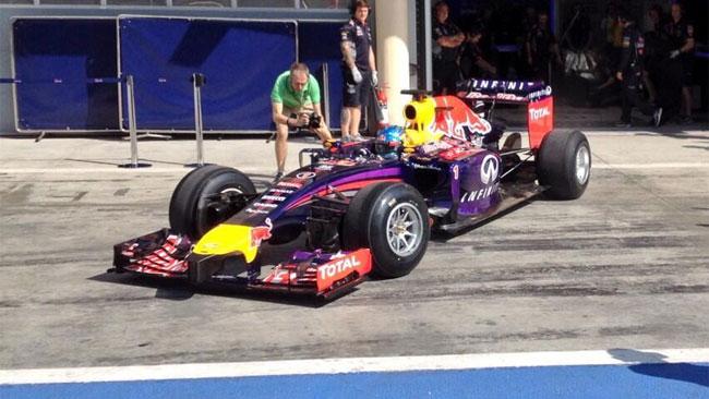 Bahrein, Day 1 (Ore 14): Red Bull finalmente in pista