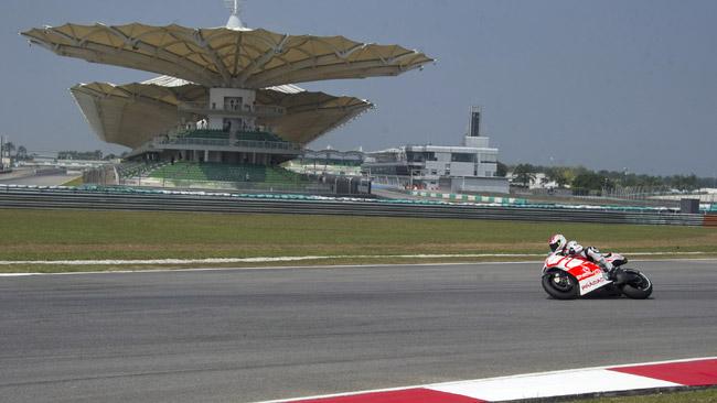 La MotoGp torna in pista a Sepang senza Marquez