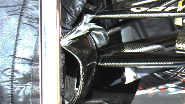 Lotus: tre flap triangolari sulle prese dei freni