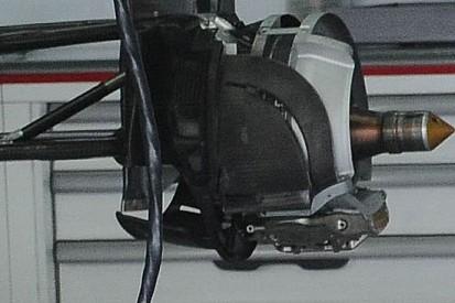 La Sauber con dischi piccoli e pinze a 4 pompanti