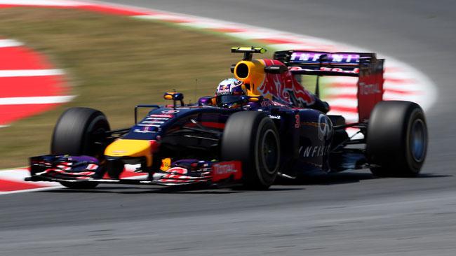 Ricciardo frustrato dal distacco dalle Mercedes