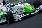 Dennis Olsen passa De Vries e vince Gara 1
