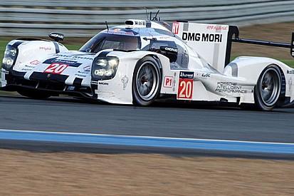 Le Mans, 4° Ora: Porsche davanti di strategia