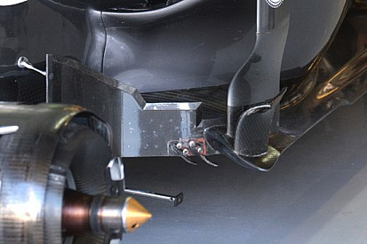 Sauber: due turbolatori dai deviatori di flusso