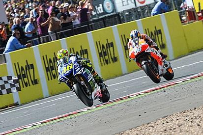 Valentino Rossi si gode il primo podio a Silverstone
