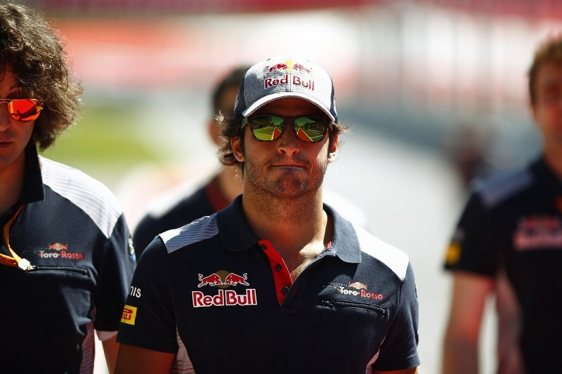 Red Bull F1 boss Horner says Sainz will stay at Toro Rosso for 2018