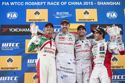 Shanghai WTCC: Yvan Muller beats Gabriele Tarquini to win race two