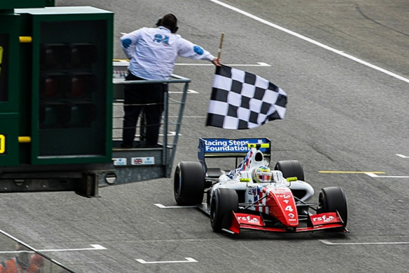 Oliver Rowland on brink of FR3.5 title with Le Mans victory