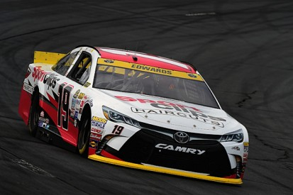 New Hampshire NASCAR: Carl Edwards on pole for Joe Gibbs Racing