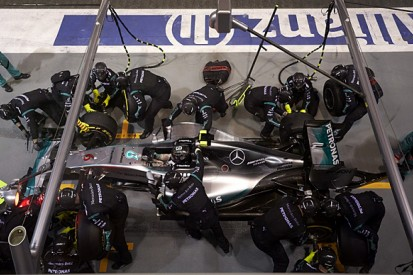 Mercedes F1 team must not be 'terrified' by Singapore GP - Wolff