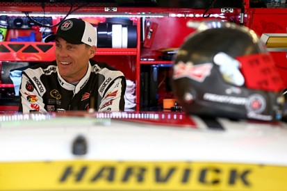 Chicagoland NASCAR: Rain gives Stewart-Haas' Kevin Harvick pole