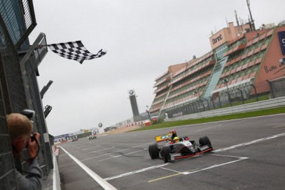 Nurburgring FR3.5: Tio Ellinas wins second race in mixed conditions