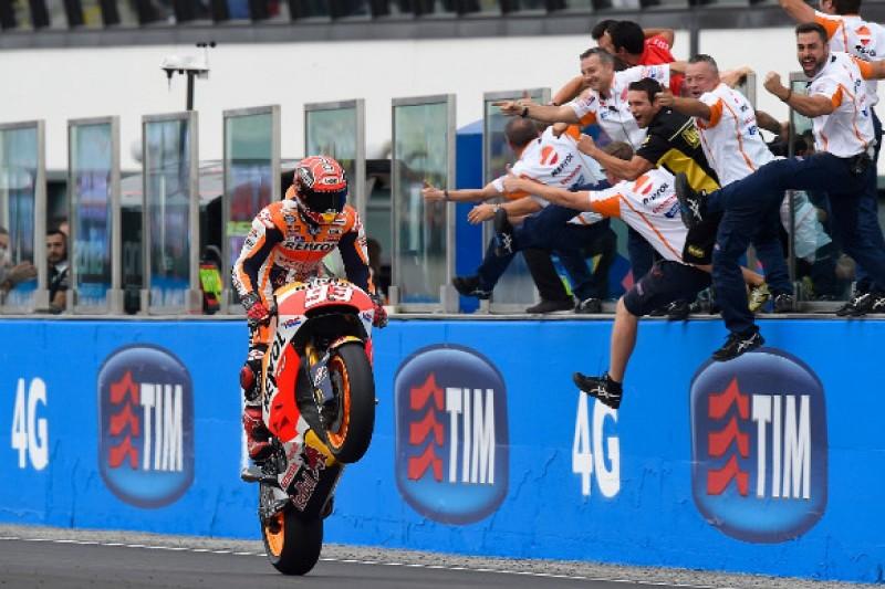 Misano MotoGP: Marquez wins in changing weather, Lorenzo crashes