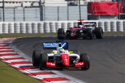 Nurburgring FR3.5: Oliver Rowland stretches lead with another win
