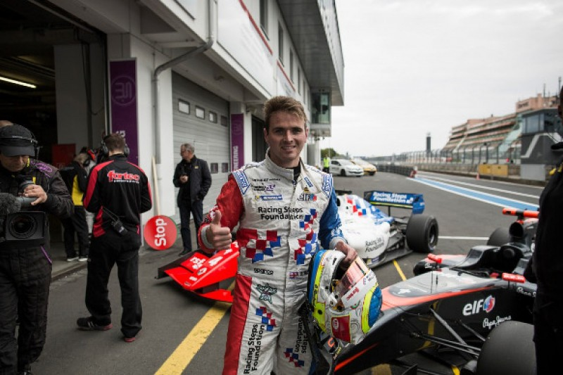 Nurburgring FR3.5: Oliver Rowland grabs pole before red flag