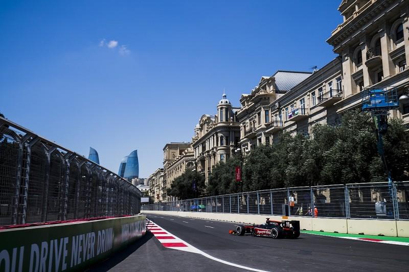 Baku F2: McLaren protege de Vries leads incident-filled practice