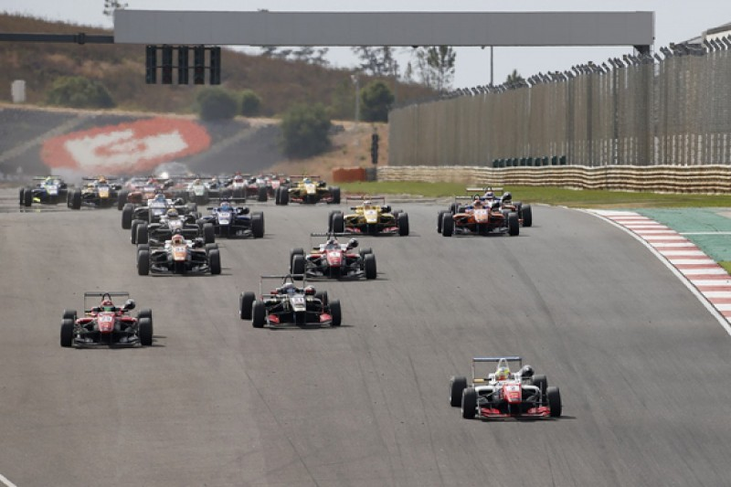 Algarve European F3: Jake Dennis wins race one for Prema