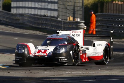 #2 Porsche snatches lead from #38 LMP2 ORECA ahead of final hour
