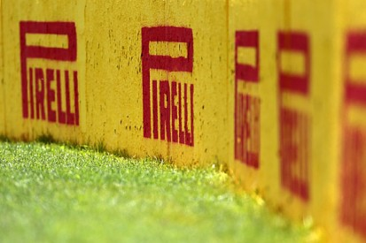 F1 drivers told to stop public criticism of Pirelli tyres