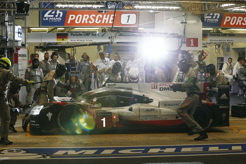 Neel Jani keeps #1 Porsche on top after 15 hours of Le Mans