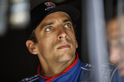 Justin Wilson dies from head injuries following IndyCar crash