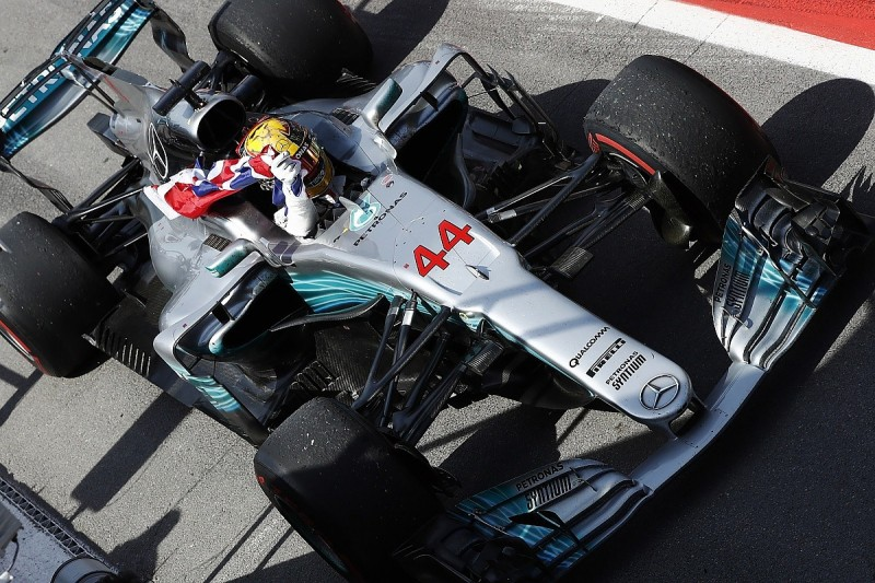 Lewis Hamilton cuts Sebastian Vettel's F1 lead with Canadian GP win