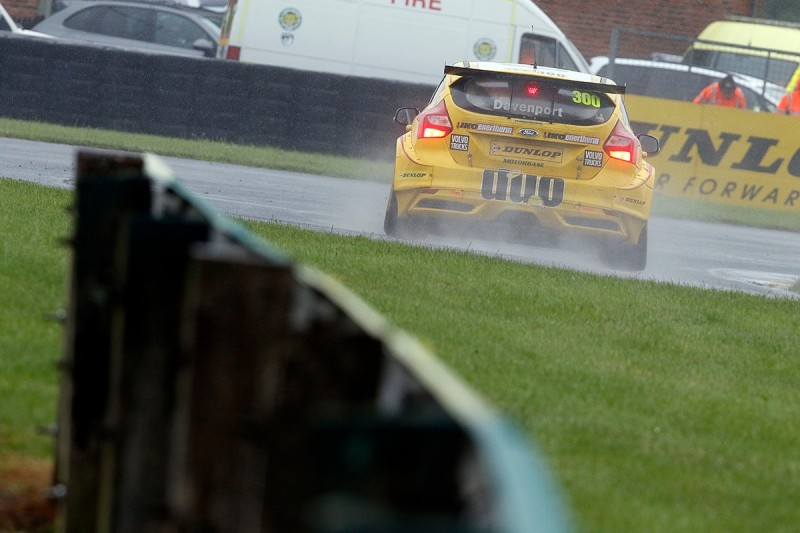 BTCC driver Davenport in induced coma, Smith has serious injuries