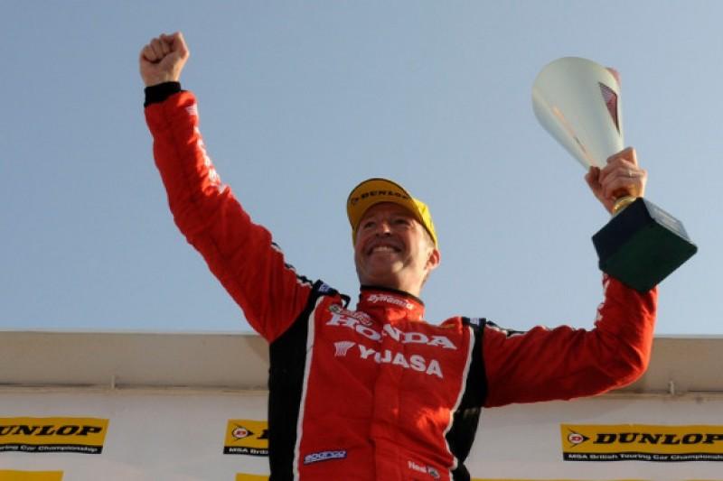 Knockhill BTCC: Matt Neal snatches race three win from Adam Morgan