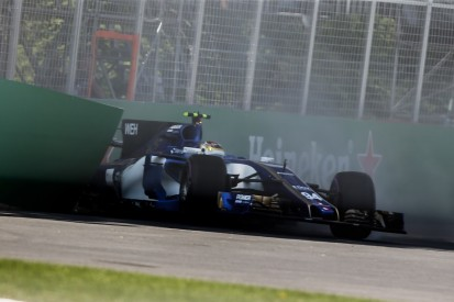 Pascal Wehrlein gets new gearbox and old rear wing after crash
