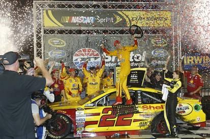Bristol NASCAR: Joey Logano resists Kevin Harvick for victory