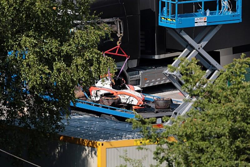 Spa GP2 crash: Daniel de Jong fractures vertebrae and has surgery