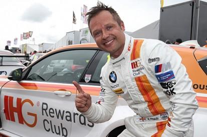 Knockhill BTCC: Andy Priaulx wins frantic pole fight for WSR BMW