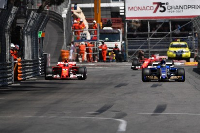 Kimi Raikkonen pushes for F1 to change its blue flag rules