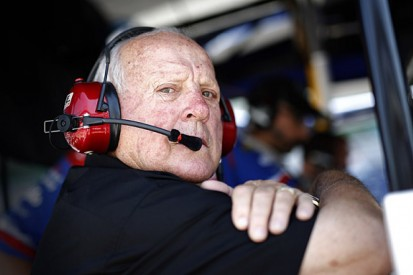 AJ Foyt to miss last two IndyCar races of 2015 after knee surgery