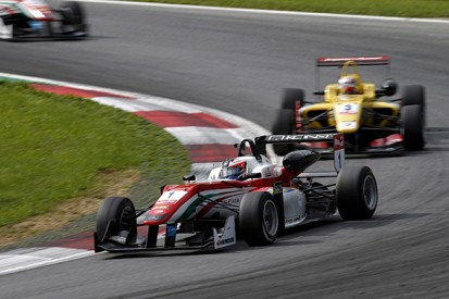 Red Bull Ring European F3: Rosenqvist beats Giovinazzi in race two