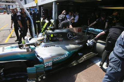 Lewis Hamilton was too devastated to get out of car in F1 qualifying