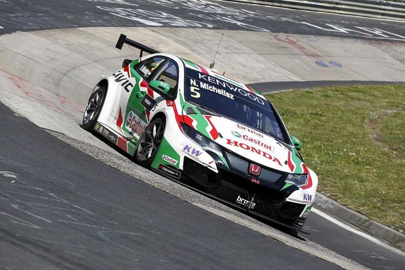 WTCC Nordschleife: Michelisz survives puncture scare to top FP1