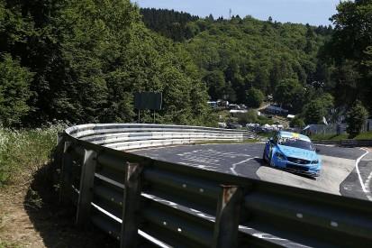 WTCC Nurburgring Nordschleife: Volvo's Catsburg fastest in FP2