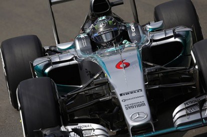 Nico Rosberg not happy with feeling of his brakes in F1