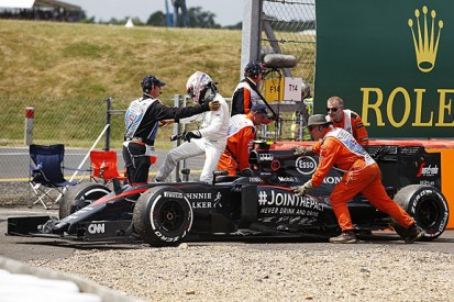McLaren F1 team frustrated with first lap crashes holding it back