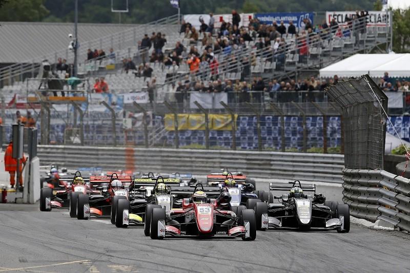 Callum Ilott mystified over crash when leading Pau European F3 race