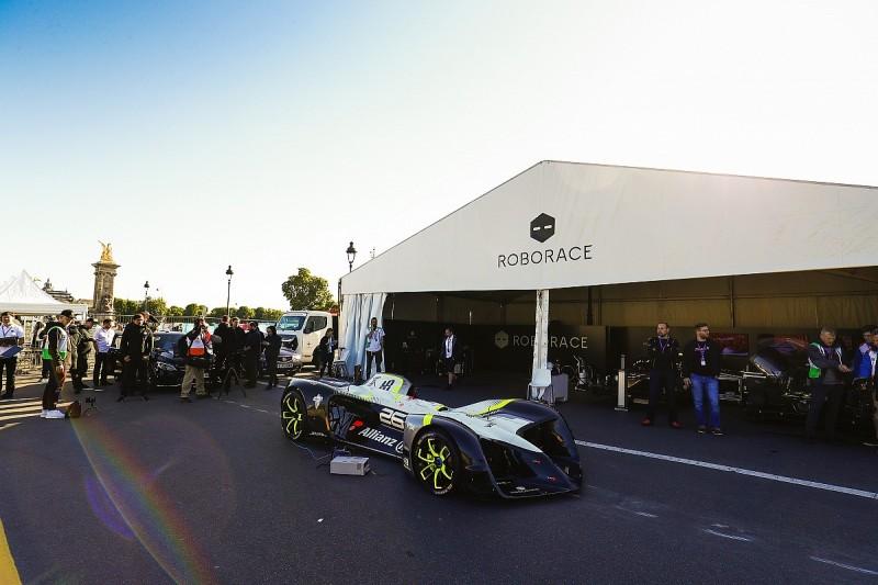 Roborace car for driverless Formula E support series makes debut