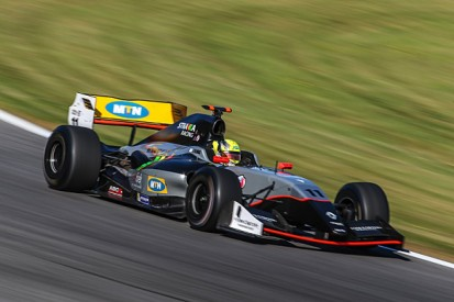Red Bull Ring Formula Renault 3.5: Tio Ellinas leads practice
