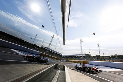 Silverstone GP3: Luca Ghiotto leads practice for Trident
