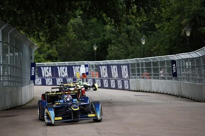 London Formula E: Sebastien Buemi closes on Nelson Piquet with win