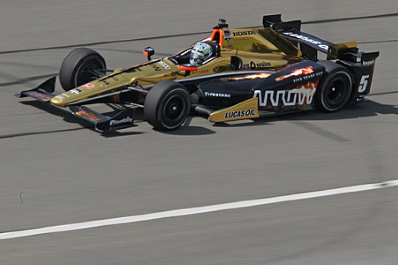Fontana IndyCar: Hinchcliffe's Schmidt sub Briscoe leads practice