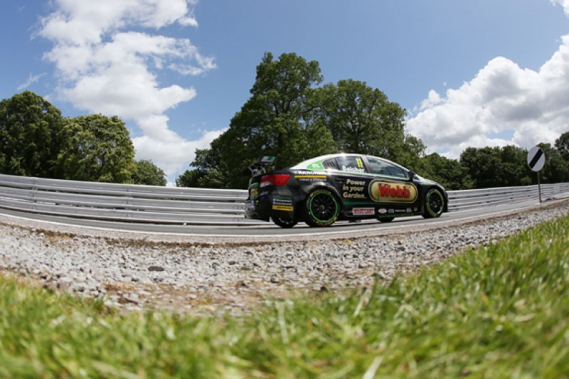 Simon Belcher eyeing a replacement for three BTCC events