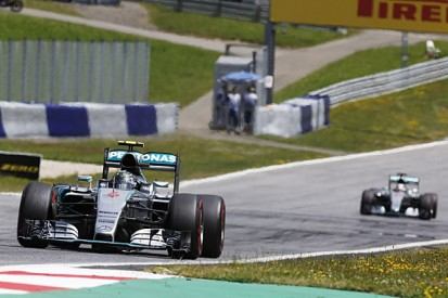 Austrian GP: Nico Rosberg beats Lewis Hamilton to F1 victory
