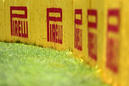 Pirelli and Michelin go head-to-head for 2017 Formula 1 tyre deal